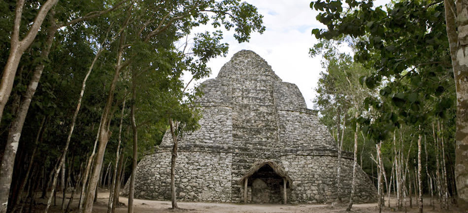 Visit ancient mayan ruins deep in the rainforests of Mexico, Belize, Guatemala, El Salvador and Honduras